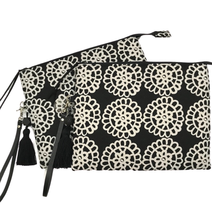 Daisy Wheel Classic Clutch