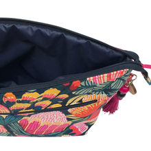 Load image into Gallery viewer, Oz Flowers Toiletry bag