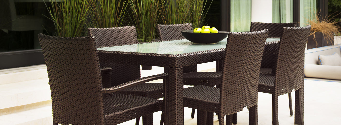 Outdoor dining chairs by Kannoa