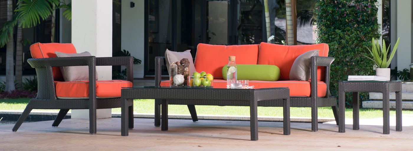 Outdoor seating by Kannoa