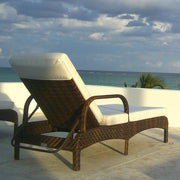 Terraza Chaise Lounge