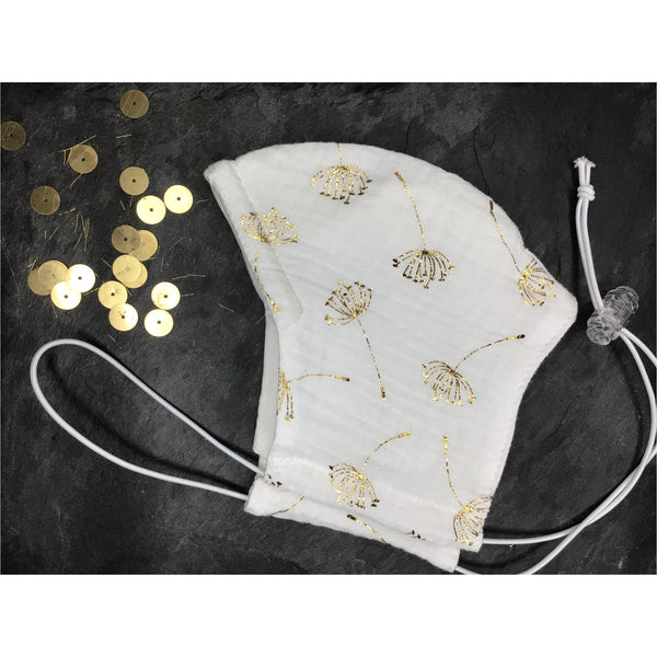 Gold muslin face mask with nose wire and filter pocket, luxury, party event mask, over head face mask, reusable mask/Sejas maska ar zelta apdruku