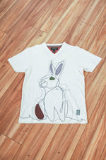 Arnold | Short Sleeve V-neck Graphic Rabbit Tee
