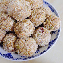 Load image into Gallery viewer, Organic Energy Balls (FoodInMyLunchBox)