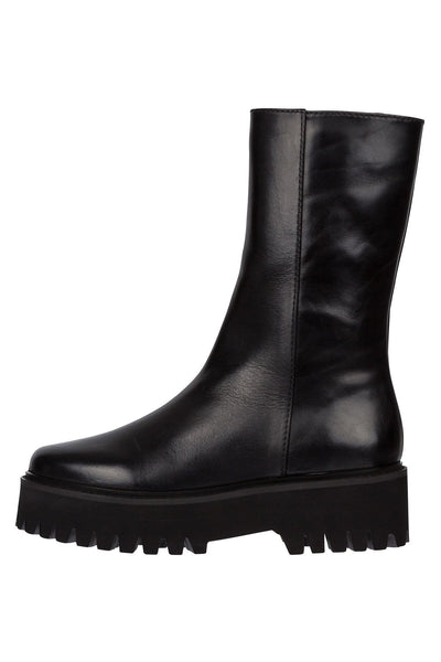 Sporty Elegance Combat Boot in Pure Black