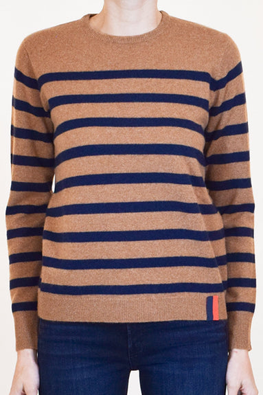 The Skate Top in Vicuna/Navy