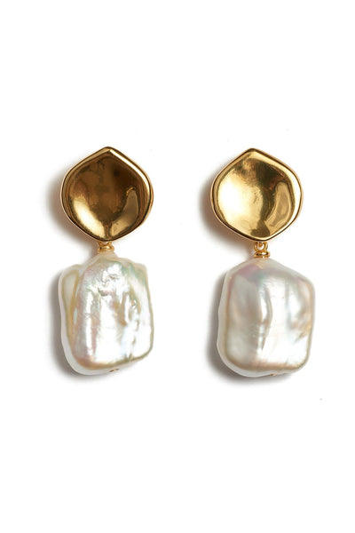 Pearly White Earrings in Pearl