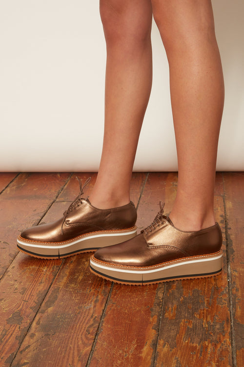 Brook Loafer in Gold