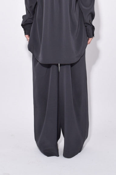 Leisure Pant in Charcoal