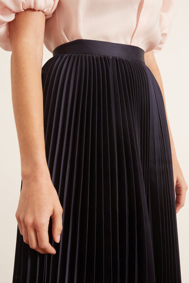 Pleated Skirt in Navy