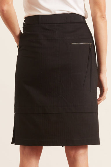 Tailored Coolness Skirt in Pure Black