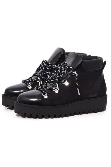 Alma Boot in Black