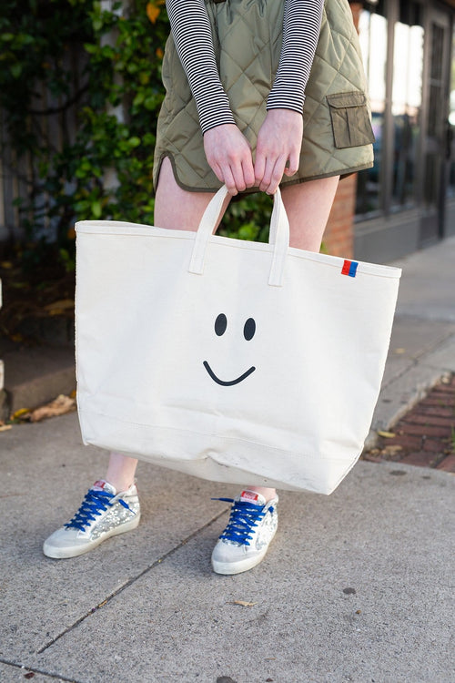 The Smile Tote in Canvas