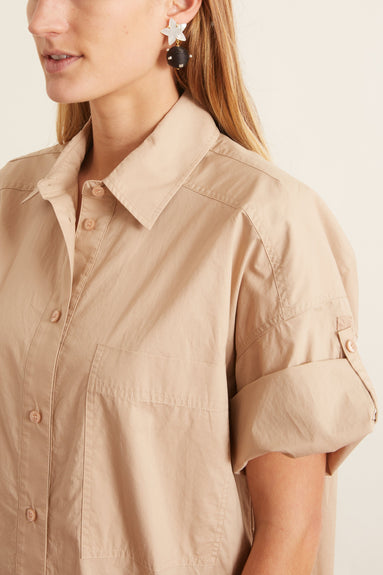 Poplin Short Sleeve Shirt in Sand
