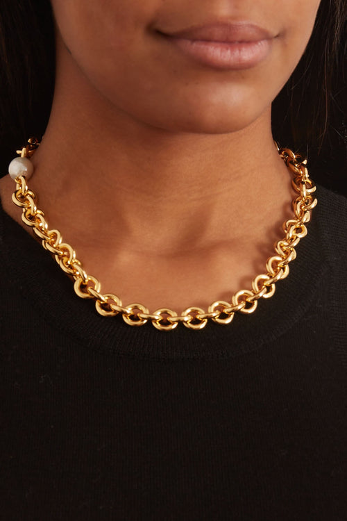 Halo Chain Necklace in Gold