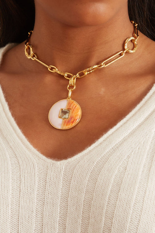 Porto Medallion Necklace in Sorbet