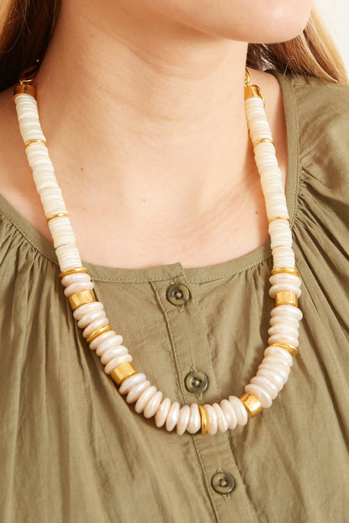 Refresh Pearl Necklace in White