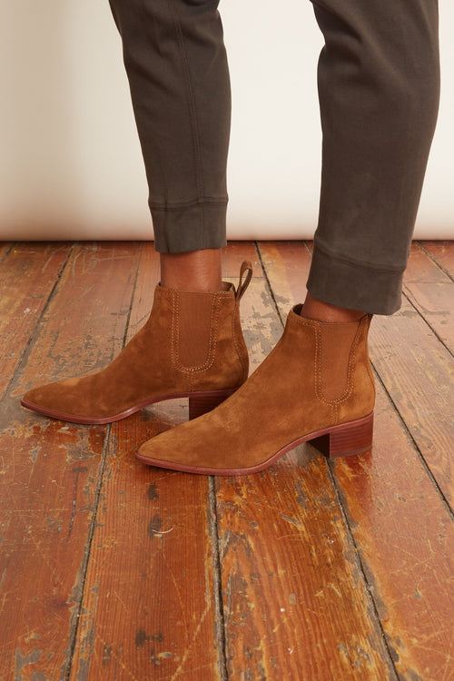 Nellie Block Heel Chelsea Boot in Cacao