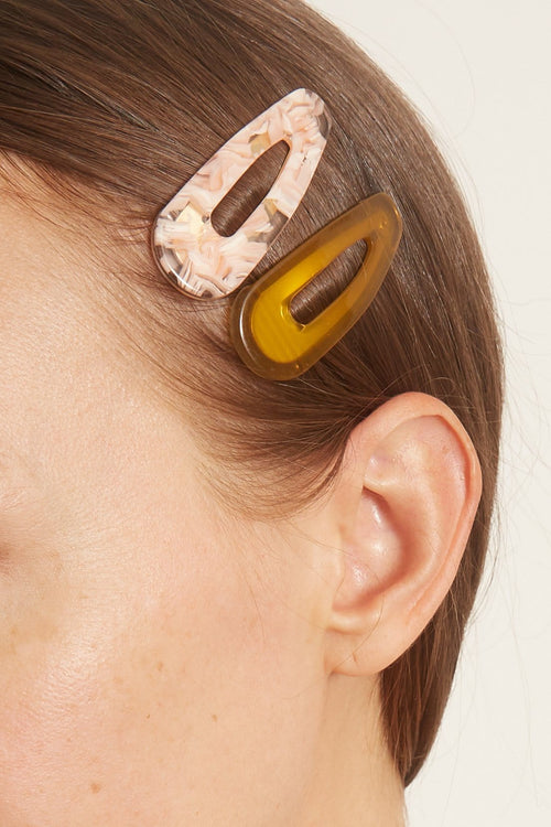 Salli Resin Clip Set in Acorn/Pink Tortoise