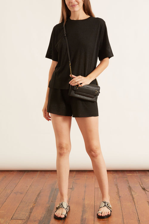 Licia Short in Nero