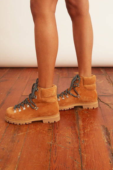 Hiking Boot in Tan