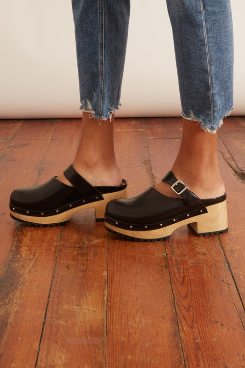 Grader Clog in Black