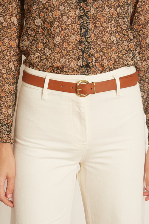 Thin Estate Belt in Camel