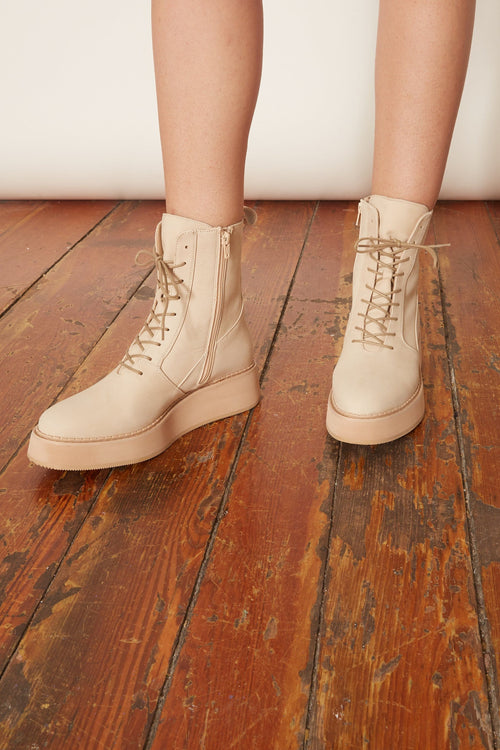 Halt Boot in Cream