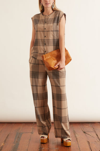 Sleeveless Shirt in Mocha Plaid