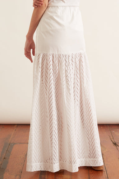 Amalthea Embroidery Skirt in White