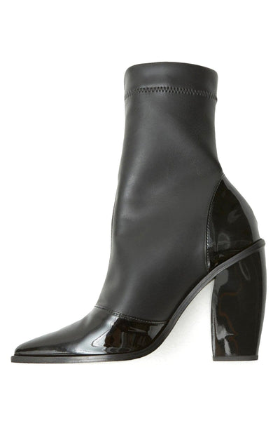 Cili Boot in Black