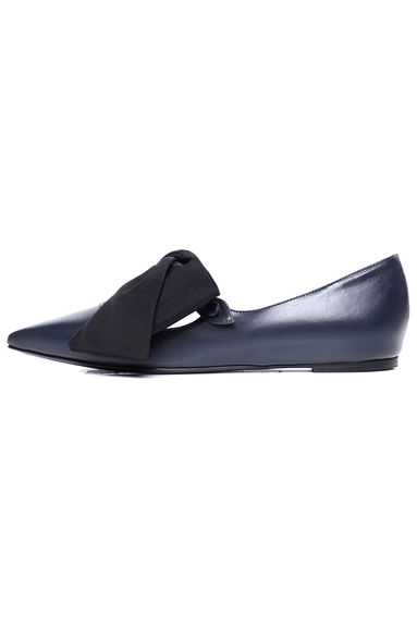 Evangeline Flat in Navy/Black