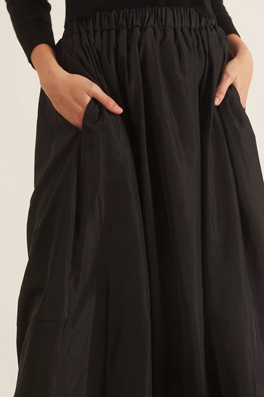 Taffeta Pull On Cocoon Skirt in Black