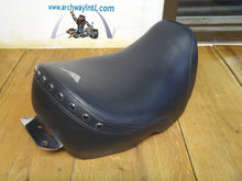Load image into Gallery viewer, OEM seat Harley Softail Springer Classic 2006 Original - Used