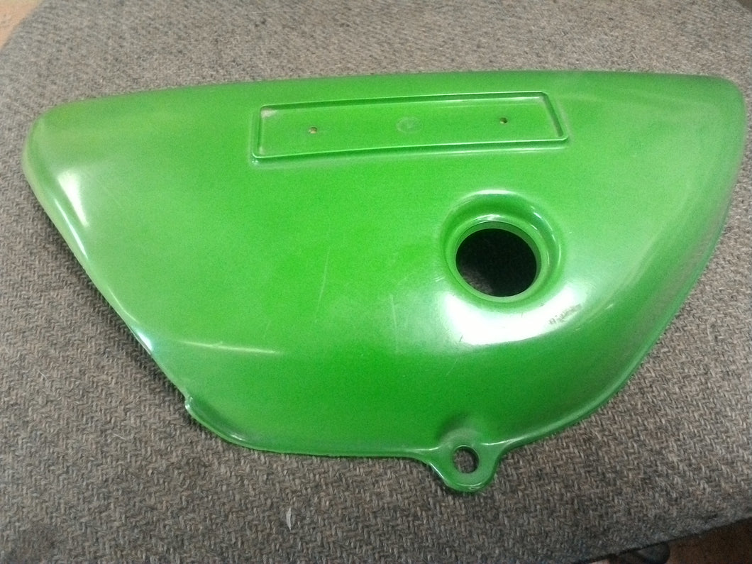 1973 SUZUKI TS 125 LEFT HAND SIDE FRAME COVER, Pine Green, 47211-28600-709