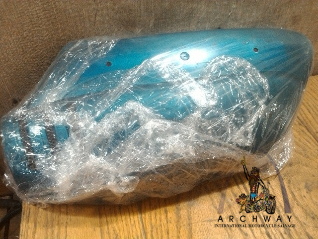 1972 Suzuki GT750 Left SIDE FRAME COVER 47201-31811 Turquoise USED