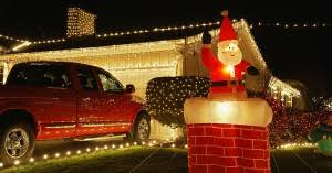 WAYS TO DECORATE YOUR GARAGE IN CHRISTMAS