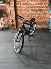 Load image into Gallery viewer, Realm VXR Bike
