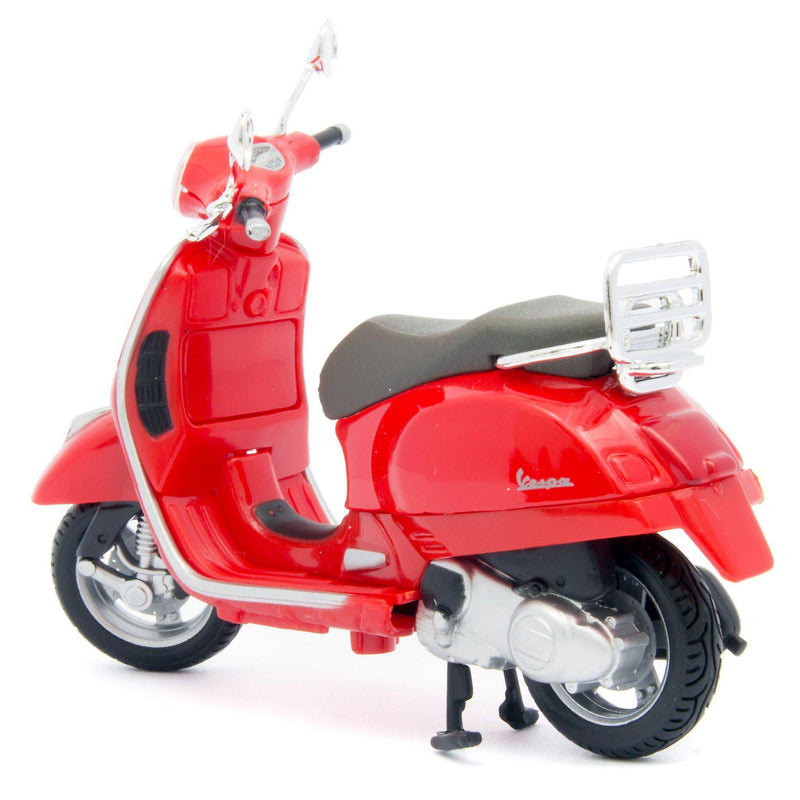 Vespa GTS 300 Diecast Model Scooter 2017 red - 1:18 Scale-Maisto-Diecast Model Centre