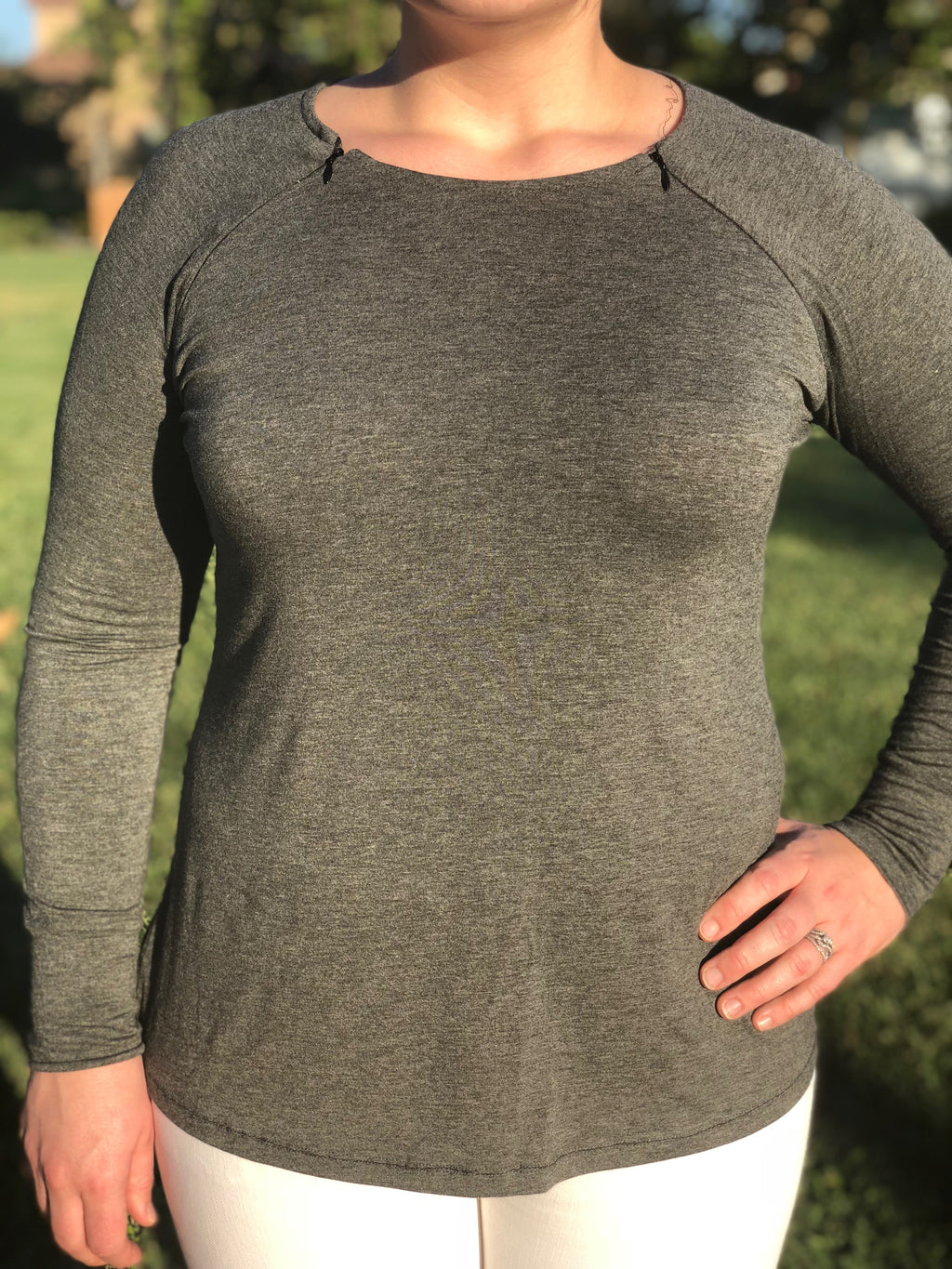 long-sleeve-zipper-closed-front