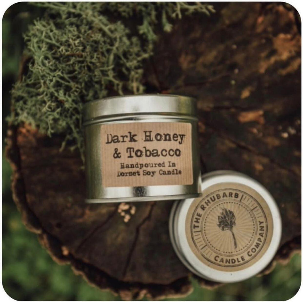 Dark Honey & Tobacco - The Rhubarb Candle Company Soy Candle in  copper or silver Tin, Vegan, Cruelty free product. All the labels are vegan friendly. Long lasting candle made in our countryside kitchen in Dorset. Made in small batches and fully CLP compliant. Candles weight is approximately 200g and has a minimum burn time of 36 hours. Made by The Rhubarb Candle Company