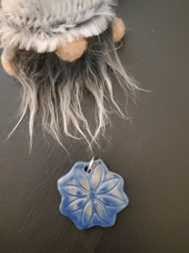 Blue Daisy Pendant/Necklace