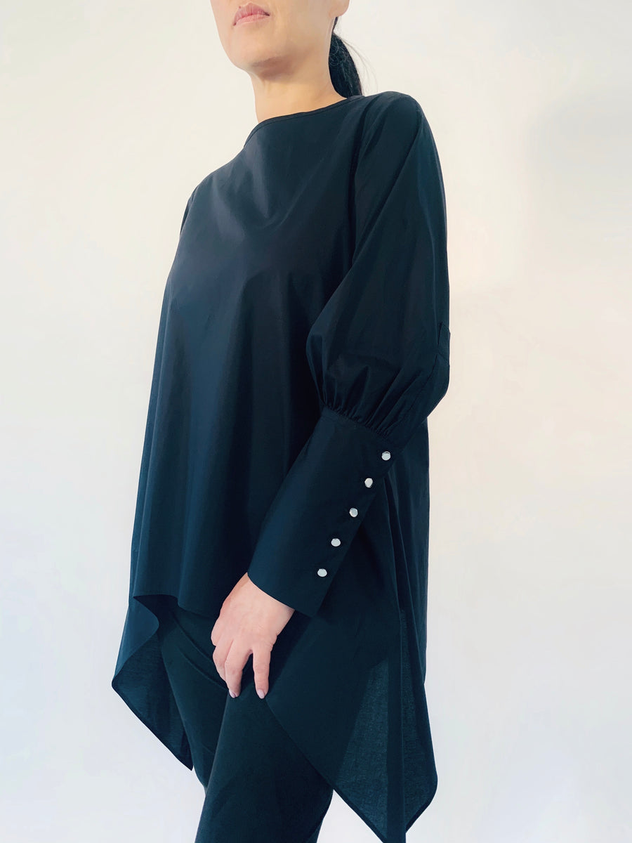 Big Cuff Tunic in Black - PERIPHERY