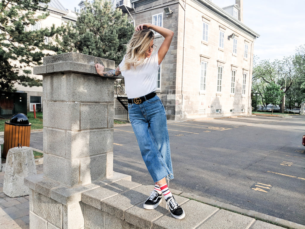 3 Ways to Wear Jeans with Sneakers