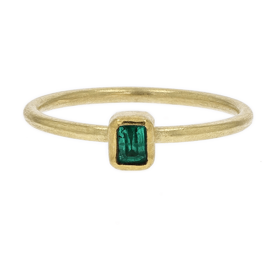Petra Class Rectangular Emerald Gold Ring