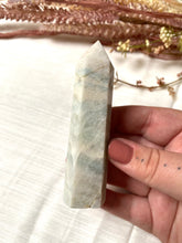 Load image into Gallery viewer, Blue Aragonite Point