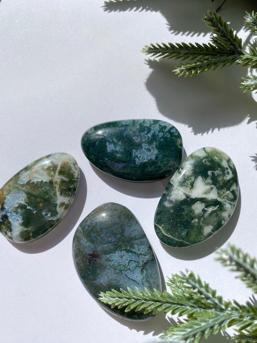 Moss Agate Smooth Stone