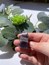 Load image into Gallery viewer, Chevron Amethyst Point 26