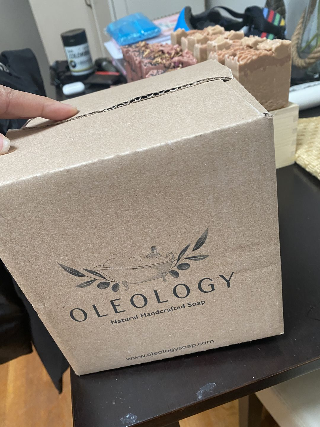 oloeology shipping box