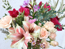 Load image into Gallery viewer, Lavish Classic Valentine Bouquet